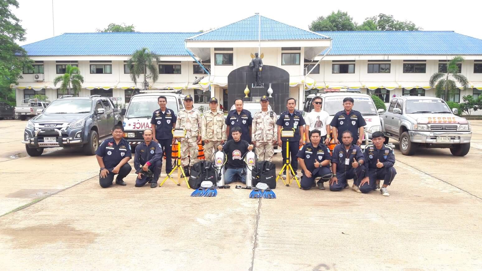 บริษัท ไทยเทพรส จำกัด (มหาชน) มอบเรือกู้ภัยทางน้ำ พร้อมอุปกรณ์ช่วยเหลือผู้ประสบภัย ให้กับ ชมรมอาสาสมัครกู้ภัยอากาศอำนวย